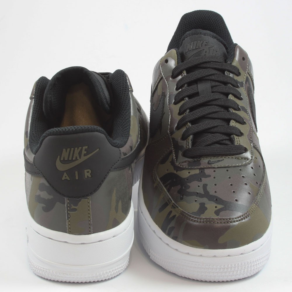 Nike Herren Sneaker Air Force 1 ´07 LV8 Medium OliveBlack