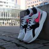 Preview 5 Nike Herren Sneaker Pantheos Summt White/Hot Punch-Black