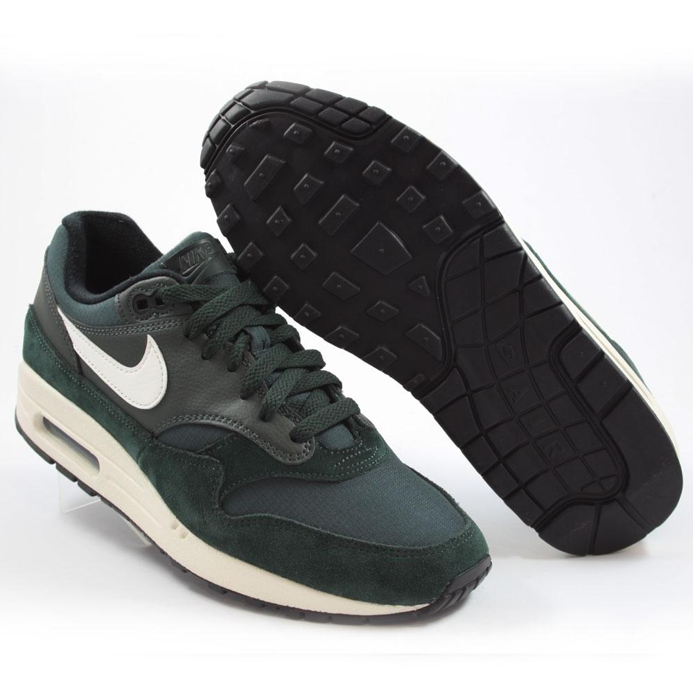 Nike Herren Sneaker Air Max 1 Outdoor GreenSail Black