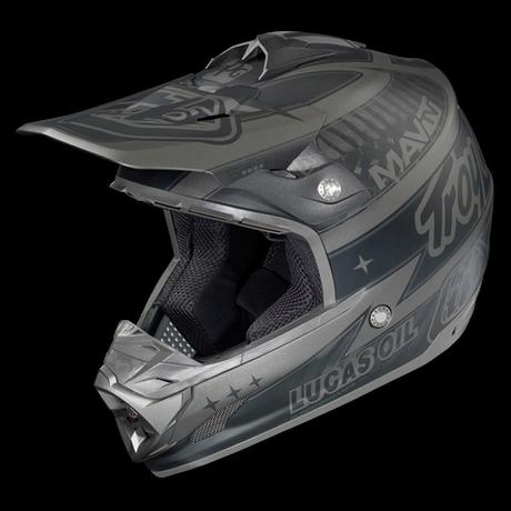 SE3 Helm Team Matte Black CF 001