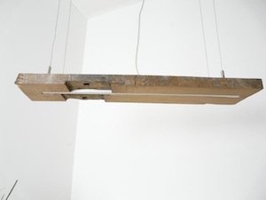 Antikholzlampe