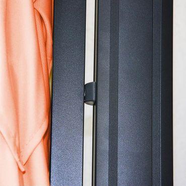 Ampelschirm, Gastronomie, 3x3m (Ø4,24m) Polyester Alu/Stahl 23kg, Flap, terrakotta ohne Ständer – Bild 3