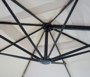 Gastronomie-Ampelschirm, 3x3m (Ø4,24m) schwenkbar, Polyester Alu/Stahl 23kg, creme mit Ständer, drehbar – Bild 6