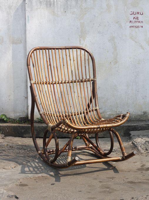 Schaukelstuhl Rattan-Vintage – Bild 1
