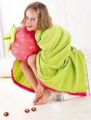 Kinderdecke Fleecedecke mit Namen personalisiert - Kuscheldecke 100 x 140 cm - Haba Erdbeere Velours Bild 3