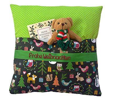 <p>Weihnachtskissen für Kinder mit Geheimfach und Wunschname personalisiert<br>Material: Bezug 100% Baumwolle, Füllung 100% Polyester<br>Waschbar bei 40 Grad mit einem Feinwaschmittel<br>Größe: 34 cm x 34 cm<br>Teddybär und Weihnachtskarte sind nicht im Lieferumfang enthalten<br>Teilen Sie uns bitte direkt nach dem Kauf den gewünschten Text per E-Mail mit</p>