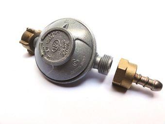 """Set: """"Vaello"""" gas pressure regulator & gas hose (FR/BE)"""