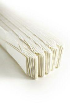 Papel filtro plegable fino de 24 cm con poros finos