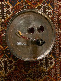 Plateau antique en cuivre taille L = 52 - 58 cm de diamètre