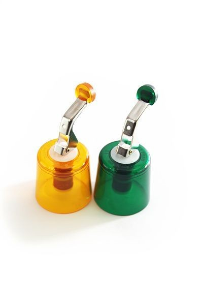 2 reusable bottle caps RETRO