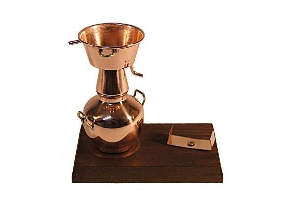 CopperGarden®  Bottle Holder Alquitara Still on wood plate