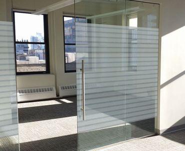 Fensterfolie Office - Streifen Folie 90 x 46 cm - statische Dekorfolie – Bild 3