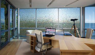 Fensterfolie RUBI 90 x 46 cm - statische Dekorfolie - Sichtschutzfolie – Bild 3