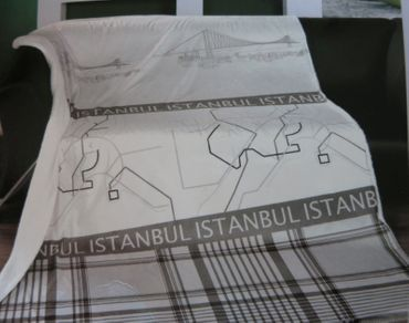 Kuscheldecke ISTANBUL - Wohndecke mit  Lammfellimitat - Überwurf Decke – Bild 3