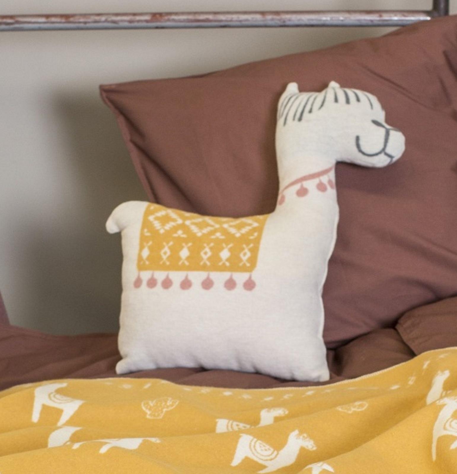kissen lama rohwei david fussenegger schmusekissen deko zierkissen kissen zierkissen. Black Bedroom Furniture Sets. Home Design Ideas
