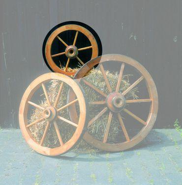 Deko-Wagenrad Ø 50cm imprägniertes Holz Gartendekoration