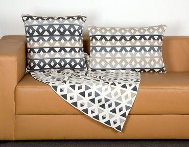 "Decke Kuscheldecke Sofadecke Feel Good Decke ""Pyramids"" 180 x 125 cm – Bild 2"
