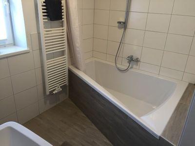 Highend Whirlpool Platin Badewanne Galia II 175 x 135 x 52 cm rechts inkl. Massageprogramme  – Bild 2