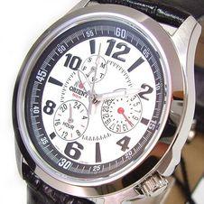 uhren-nach-marken/orient-uhren/modern-styling/orient-classic-herrenuhr-day-date-leder-cut07005w0