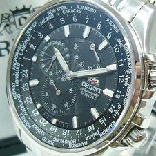 orient-world-timer-power-reserve-100m-flieger-montre-cey04001b