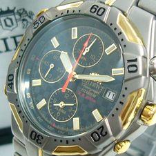 orient-titanium-chronographe-200m-carbon