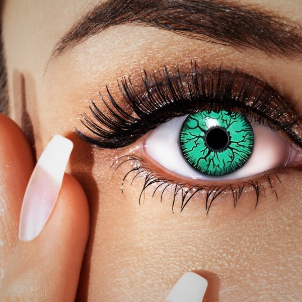 Grüne farbige Kontaktlinsen, schwarze Adern, Tierlinsen