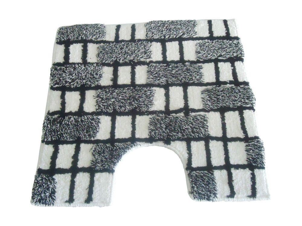 wc vorleger dalia wei schwarz 60x60cm mit ausschnitt von sanwood bad badteppiche wc vorleger. Black Bedroom Furniture Sets. Home Design Ideas