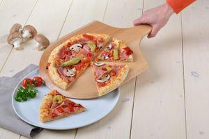 GRÄWE Pizzaschieber aus Buchenholz