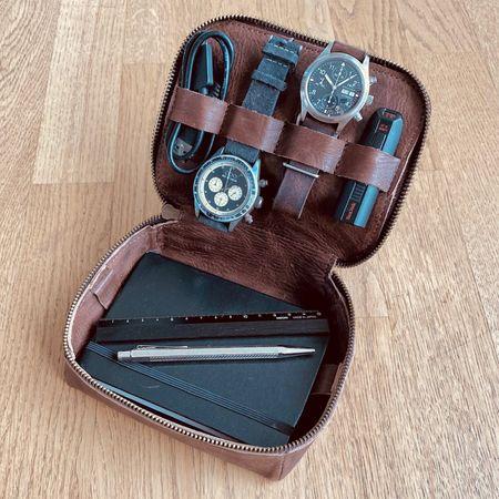Tech Kit S - brown