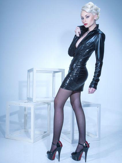 LIVINIA Wetlook Jacke mit Hologramm – Bild 3