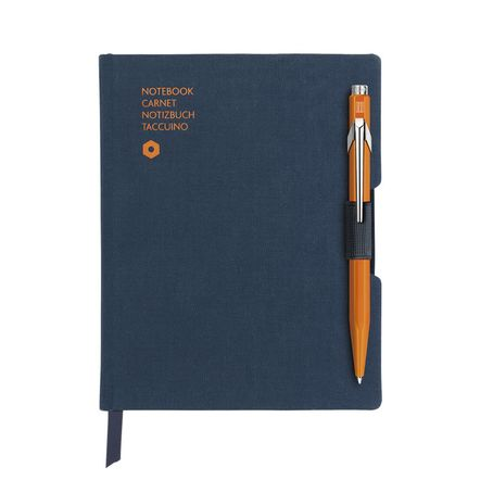Caran d'Ache Notizbuch Office A6 blau inkl. 849 Kugelschreiber Orange