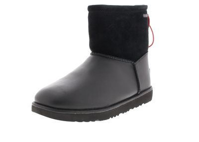 UGG in Übergrößen Boots CLASSIC TOGGLE WATERPROOF black