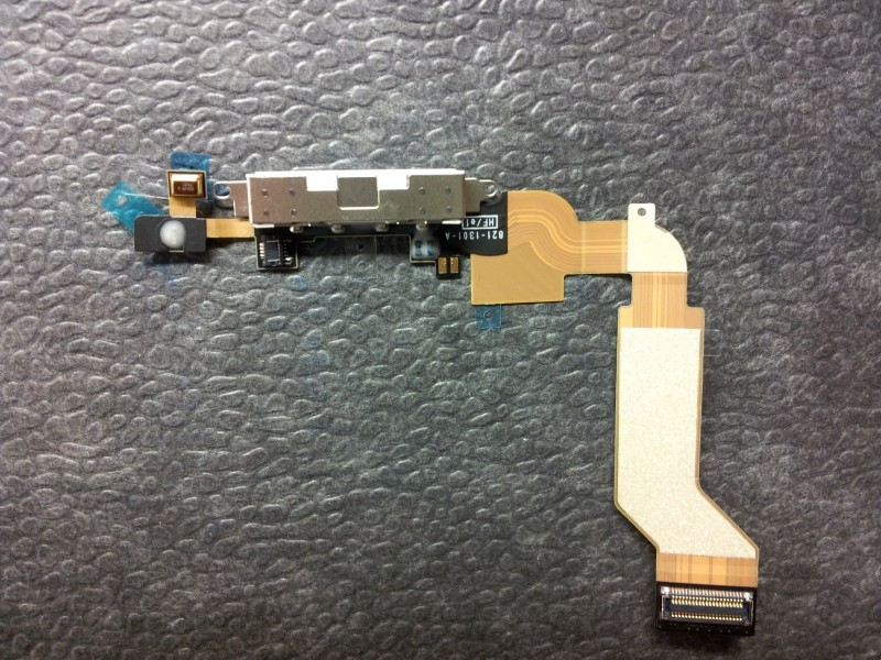 Docking port with flex for IPhone 4S white