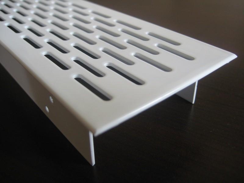 l ftungsgitter lochblech aluminium 250 x 70 mm wei. Black Bedroom Furniture Sets. Home Design Ideas