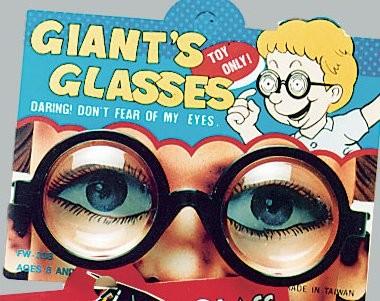 Scherz-Brille mit Vergrößerungseffekt